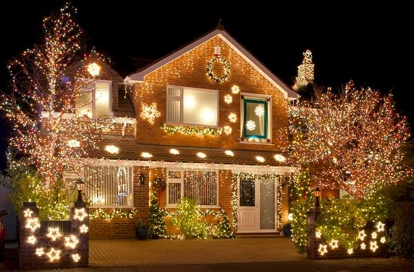 How To Keep Your Holiday Decorations From Damaging Your Lawn