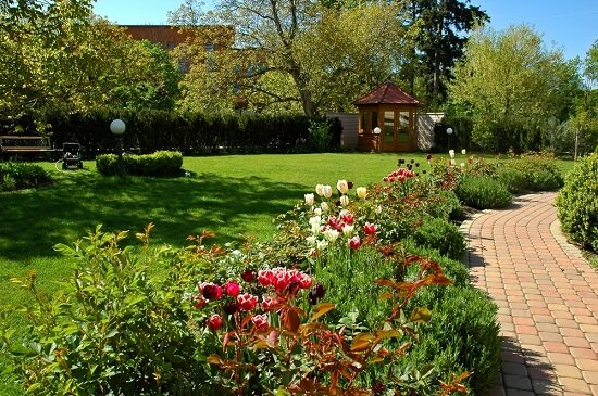 Conway Landscaping Guide for Growing Flowers